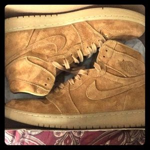 "1985 Air Jordan 1 Retro ""Golden Harvest"" Edition."